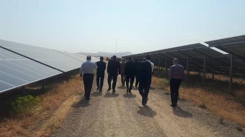 بازدید شهرداران 9 شهر جنوب خراسان رضوی از نیروگاه خورشیدی همدان